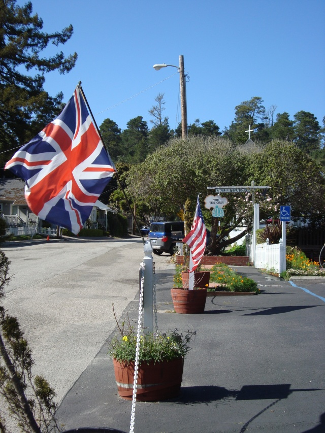 Outside The Tea Cozy, Cambria, California (c) Sherri Matthews 2013