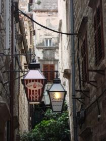 Hidden cafes and restaurants