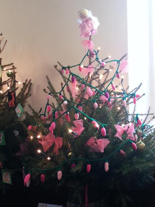 Knitting Club Christmas Tree (c) Sherri Matthews 2014