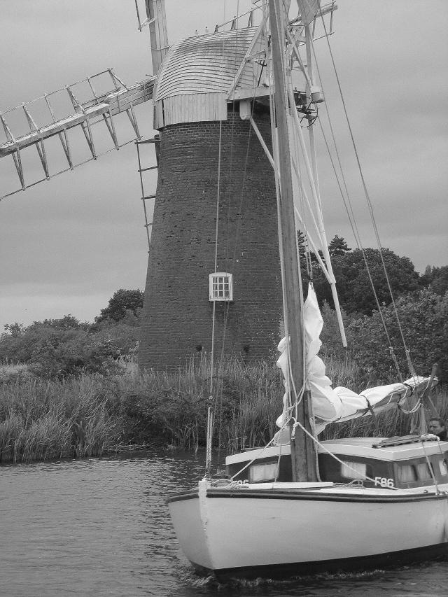 Windmill & Yacht Nofolk Broads (c) Sherri Matthews 2014