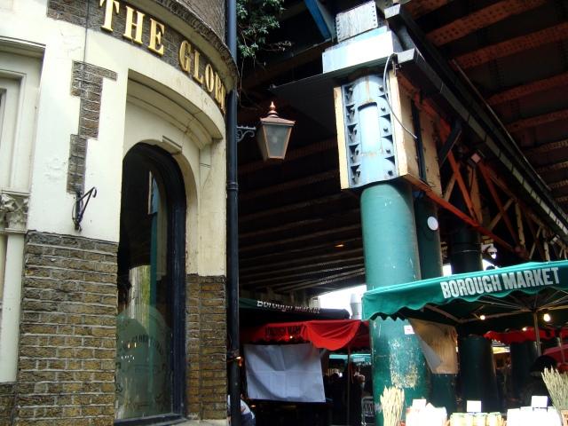 The Globe Tavern at the entrance to Burroughs Market  (c) Sherri Matthews 2015